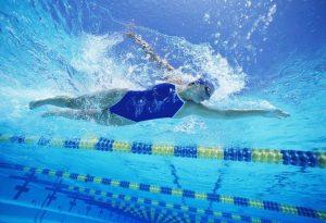 http---coresites-cdn.factorymedia.com-twc-wp-content-uploads-2015-11-a3c53635ac2e6e6f_Girl-Swimming.xxxlarge_2x-1020x697